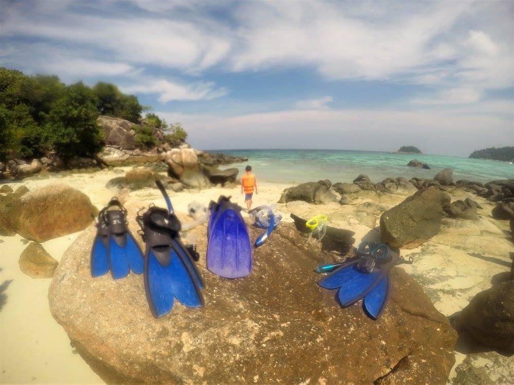 Snorkeling tour fins Koh Kra equipment