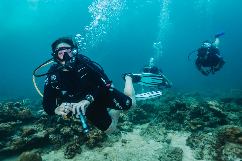 PADI Instructor guiding divers koh lipe thailand