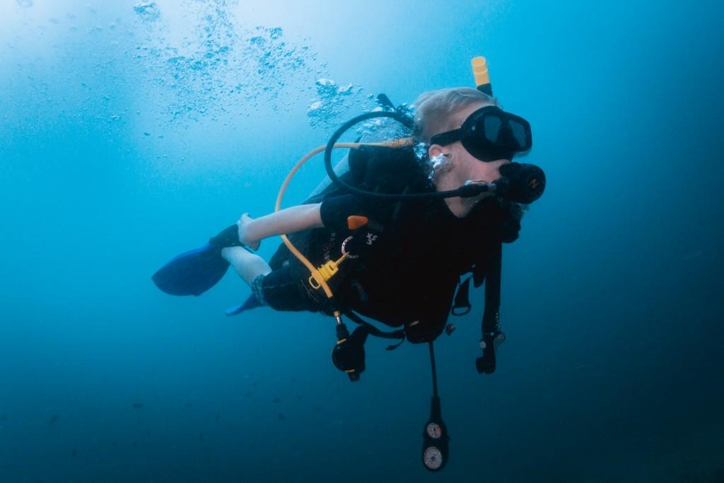 SCUBA diving Buoyancy kids Thailand Koh Lipe