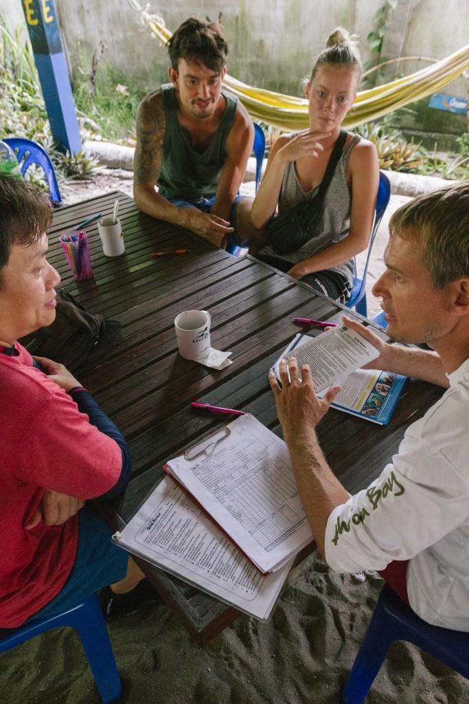 Discover SCUBA Dive Briefing Ko Lipe Thailand