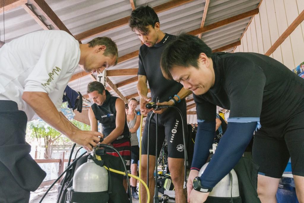 Gear Set Up Dive Training Koh Lipe